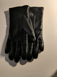 Danier Black Genuine Leather Gloves - lightly used