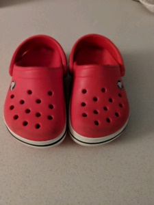 Crocs taille 4-5
