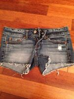 American eagle size 0 jeans short