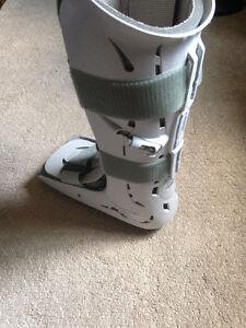 Broken Foot cast Kitchener / Waterloo Kitchener Area image 2