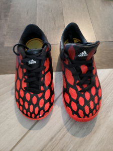 Indoor soccer shoes, great condition