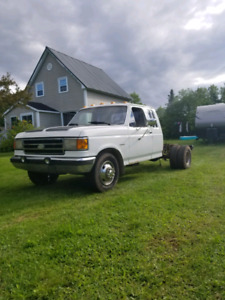 1989 Ford F-350 Lariat - 7.3idi - dually -