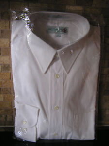 New Unused Men's Cluett Peabody White Cotton Shirt Sz 16-32/33
