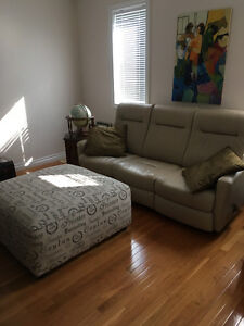 Beautiful leather recliner sofa, end tables and lamps for sale
