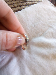 14k diamond ring. Size 5.75