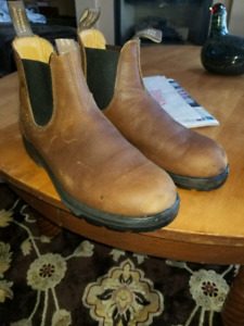 Blundstone Boot. Mens size 8.5 (10)