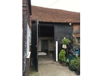 Retail / storage barn to let