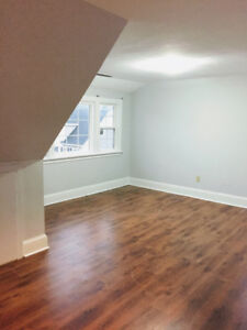 Bright 2 Bedroom Apartment for Rent Nov-May