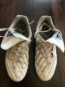 Boys adidas soccer shoes size 4
