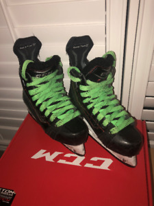 CCM Jetspeed LE Black Junior Skates