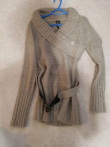 Long knit beige sweater