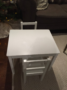 3 Piece Kid's Wood Table And Chair Set (White)