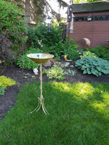 Vintage Gold Golden Stand/ Bird Bath