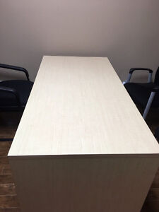 Selling office desk for $125