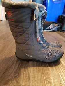 Columbia Winter Boots size 8 only worn once