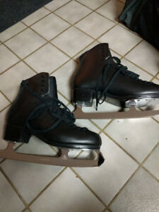 Men size 11C figure skates