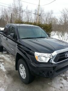 2013 Toyota Tacoma Pickup Truck - end of lease 62000km