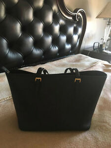 MICHEAL KORS Jet Set Travel Saffiano Leather Top-Zip Tote West Island Greater Montréal image 2