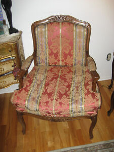 Made in ITALY- MOBILIART Louis XV antique style arm chair
