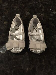 Size 4 toddler sparkle shoes