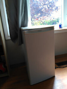 Bar fridge great shape great deal