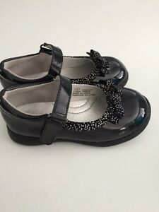 Size 8 toddler shoes Kitchener / Waterloo Kitchener Area image 1