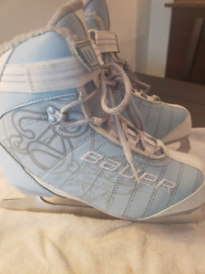 Ladies Ice Skates  Size US 7
