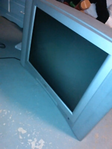 Tube tv with remote good condition.