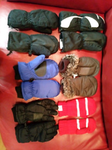Toddler -5 year toques, hats, gloves + mitts $4 each