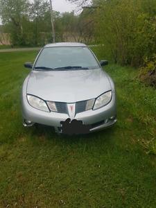 2004 Pontiac Sunfire.