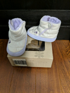 North face booties size 4.