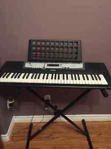 Yamaha Keyboard w/Stand