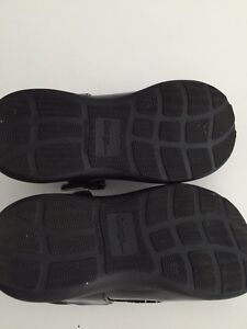 Size 8 toddler shoes Kitchener / Waterloo Kitchener Area image 3
