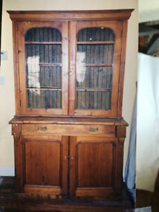 Early 19th C Canadian Antique Pine Hutch