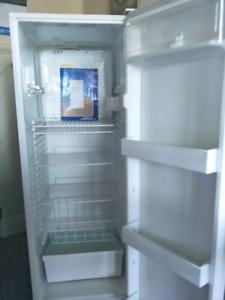 Kelvinator frost free fridge ($125)