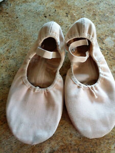 Angelo Luzio Ballet shoes size 6 Kingston Kingston Area image 1