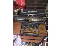 Brilliant Condition Underwood Typewriter Antique Collectable