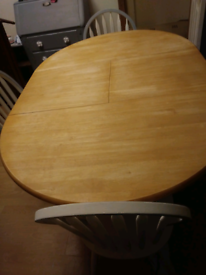 Solid table & 4 chairs
