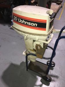 Moteur hors-bord Johnson 25