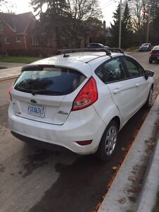 2013 Ford Fiesta SE with many extras London Ontario image 2