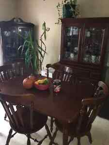 Dining room table set with extra hutch Kingston Kingston Area image 1