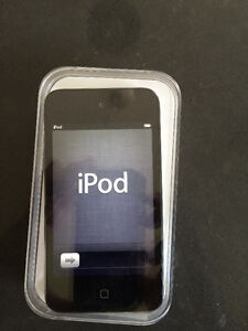 iPod Touch 32GB in original box with earplugs and charge cord