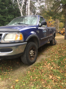 1998 Ford F250 Light Duty Pick-up Truck