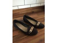 Women's Flat Black Shoes Carvella by KG Size 5 New With Box