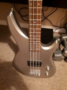 Bass guitar for trade or sale