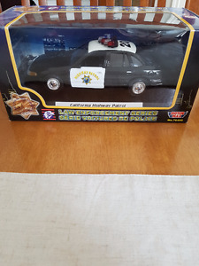 Mini voiture de collection California Highway Patrol 2002