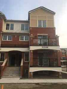 Move in now. New corner unit townhouse 6th line/ Dundas
