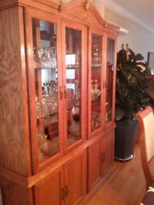 Set de salle à manger avec buffet