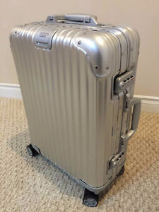 Brand New RIMOWA Topas CABIN MULTIWHEEL CARRY ON