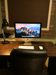 21.5 Inch iMac (Late 2015 Edition) with Keyboard and Mouse